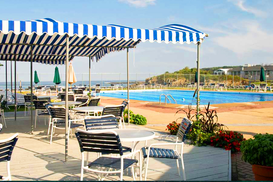 Outdoor Pool & Dining Area at Stage Neck Inn