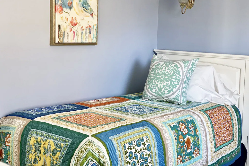Twin Bed at Grand Seaside Cottage Rental in York Harbor Maine