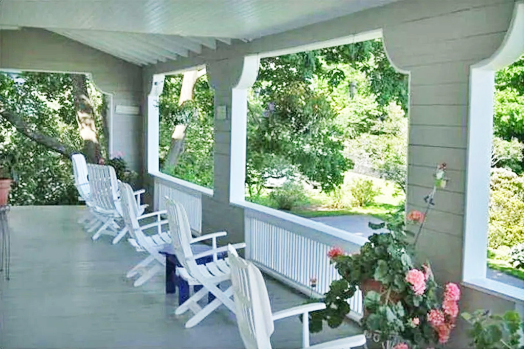 Front Porch of Grand Seaside Cottage Rental in York Harbor Maine